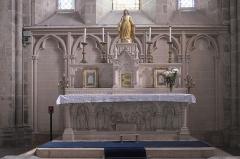 Eglise Notre-Dame-de-l'Assomption - Deutsch: Katholische Pfarrkirche Notre-Dame-de-l'Assomption (Mariä Himmelfahrt) in Boigneville im Département Essonne (Île-de-France/Frankreich), Hauptaltar