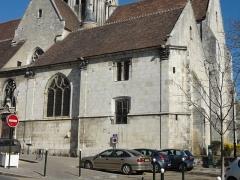 Eglise Saint-Basile - Français:   Angle sud-est - sacristie.