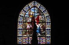 Eglise Saint-Martin - Deutsch: Katholische Pfarrkirche Saint-Martin in Longjumeau im Département Essonne (Île-de-France/Frankreich), Bleiglasfenster im Chor, Darstellung: Hl. Martin
