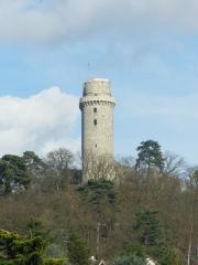 Ancien château - Français:    Tour de Monthléry vue de Linas, Essonne, France