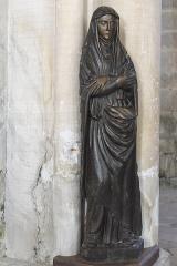 Eglise - Deutsch: Katholische Pfarrkirche Saint-Germain in Saclas im Département Essonne (Île-de-France/Frankreich), Jungfrau Maria, Schnitzfigur aus dem 16. Jahrhundert