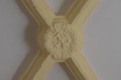 Eglise - Deutsch: Katholische Pfarrkirche Saint-Germain in Saclas im Département Essonne (Île-de-France/Frankreich), Schlussstein
