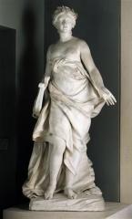 Domaine de Bellevue : ancien château - Français:   La Musique, de Falconnet. Sculpture placée dans le vestibule de Bellevue.