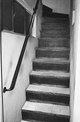 Villa Van Doesburg - Nederlands: Van Doesburghuis: trap van onderhuis naar atelier