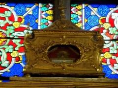 Eglise Saint-Jean-Baptiste - Mobilier de l'église - reliquaire censé contenir des reliques de St Mammès.