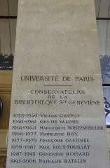Ancienne abbaye Sainte-Geneviève, actuel lycée Henri IV - Liste des administrateurs et directeurs de la Bibliothèque Sainte-Geneviève après son changement de statut dans les années trente, palier de l'escalier d'honneur.