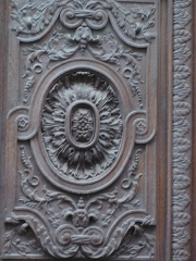 Eglise Saint-Nicolas-du-Chardonnet -  Carved door on the Rue des Bernardins (church Saint-Nicolas du Chardonnet)- detail