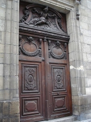 Eglise Saint-Nicolas-du-Chardonnet -  Carved door on the Rue des Bernardins (church Saint-Nicolas du Chardonnet)