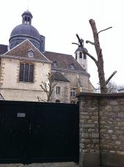 Couvent des Carmes - Français:   Église Saint-Joseph-des-Carmes, vue du 26bis de la rue Cassette, Paris, France.