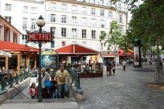 Métropolitain, station Saint-Michel -  Metro Saint-Michel, Paris, France.