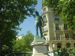 Monument du Maréchal Ney - English: Statue of marshal Michel Ney, Paris