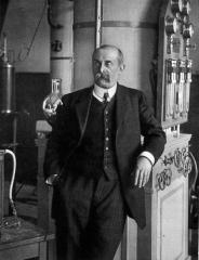 Académie de Médecine - English: Jacques-Arsène d'Arsonval (June 8, 1851 – December 13, 1940)