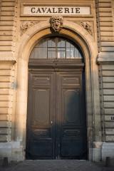 Ecole Militaire - English:   Cavalerie, Paris Door