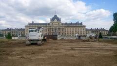 Ecole Militaire - Français:   Destruction du Mur pour la Paix à Paris, début juin 2020.