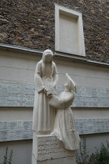 Maison des Filles de la Charité - English: Chapel of Our Lady of the Miraculous Medal, 140 Rue du Bac, 75340 Paris, France.