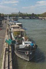 Pont de la Concorde -  Paris spring
