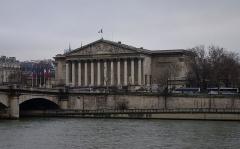 Pont de la Concorde - Deutsch: Palais Bourbon in Paris