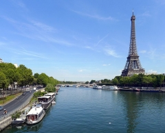 Pont d'Iéna - Port de Passy et voie Pompidou face à la tour Eiffel