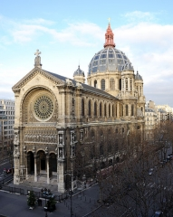 Eglise Saint-Augustin - English:   St Augustin from the Officer\'s Mess