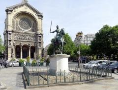 Eglise Saint-Augustin - English:   Statue of Jeanne d\'Arc (Saint-Augustin place) - Paris