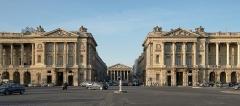 Hôtel de Coislin - English: Place de la Concorde, rue Royale, Madeleine, Hôtel des Monnaies (left), Hôtel de la Marine (right)