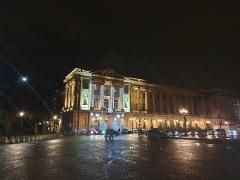 Hôtel Crillon - English: Hôtel de Crillon in Paris by night.