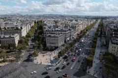 Hôtel Landolfo-Carcano, actuellement ambassade du Qatar - English: View from the Arc de Triomphe, Paris.