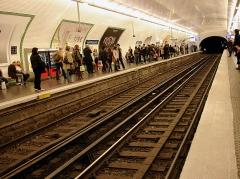 Métropolitain, station Saint-Lazare - Station Saint-Lazare de la ligne 12 du métro de Paris, France.