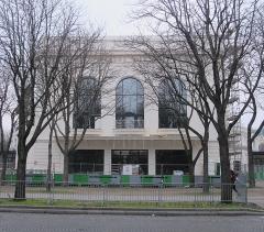 Théâtre Marigny - Français:   Le théatre Marigny en travaux, en décembre 2017 (Paris, 8e).