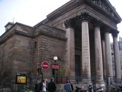 Eglise Notre-Dame-de-Lorette - Français:   La station de métro et l\'église de Notre Dame de Lorette à Paris.