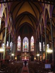 Eglise Saint-Eugène-Sainte-Cécile -  église Saint-Eugène-Sainte-Cécile à Paris, vue vers le choeur