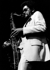 Théâtre de l'Olympia - English: American tenor saxophone player Walter Kimble in Paris, France