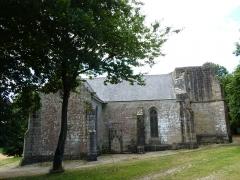 Chapelle Notre-Dame-de-Pitié - Français:   Chapelle du 16ème siècle. Vue du coté de la chapelle seigneuriale.