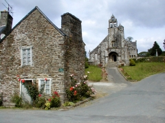 Eglise Saint-Envel - Brezhoneg: Lokenvel. Ti e rozennoù