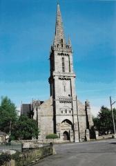 Eglise Saint-Emilion - Brezhoneg:   An tour hag an nor vras