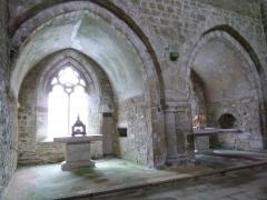Abbaye de Boquen - Français:   Chapelles dans le bras nord du transept de l\'église abbatiale de Boquen (Plénée-Jugon, Côtes-d\'Armor)