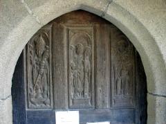 Chapelle Saint-Gonéry et cimetière - Brezhoneg: Plougouskant Sant Goniri. An nor
