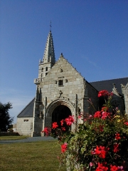 Eglise Notre-Dame des Grâces - Brezhoneg: Pluskelleg. Iliz. P9280027