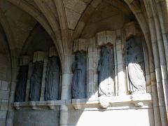 Eglise Notre-Dame des Grâces - Brezhoneg: Pluskelleg. Ebestel. P9280021