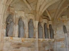 Eglise Notre-Dame des Grâces - Brezhoneg: Pluskelleg. Ebestel. P9280022