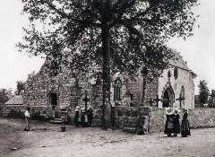 Eglise Saint-Hilaire - Français:   Jules Robuchon: l\'église et le cimetière de Clohars-Fouesnant vers 1890.