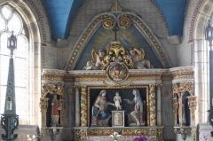 Chapelle Sainte-Anne - Deutsch: Katholische Kapelle Sainte-Anne in Daoulas im Département Finistère (Region Bretagne/Frankreich), Altar mit Schnitzgruppe Anna, Maria und Jesuskind aus dem 18. Jahrhundert