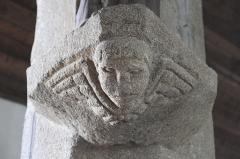 Eglise Saint-Edern - Deutsch: Katholische Kirche Saint-Edern in Lannédern im Département Finistère (Region Bretagne/Frankreich), Konsole