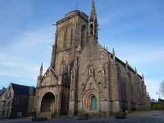 Place de l'Eglise - Français:   Vraiment une belle église!