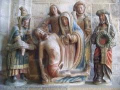 Place de l'Eglise - Français:   Descente de croix dans l\'église Saint-Ronan, Locronan, Pays Glazik, Bretagne