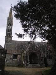 Eglise Sainte-Geneviève -  Église Sainte-Geneviève de Loqueffret, clocher et entrée