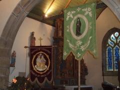 Eglise Sainte-Geneviève -  Drapeaux processionnels.