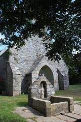 Chapelle de la Madeleine -   La chapelle a été construite du 12ème au 16ème siècle sur le site d\'une ancienne léproserie. Les habitants du hameau avaient le droit d\'y cultiver la terre, ou d\'exercer des métiers réservés, dont le plus répandu était celui de cordier.  Ces habitants étaient désignés sous le terme de \
