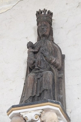 Eglise Saint-Pierre et chapelle funéraire - Deutsch: Katholische Pfarrkirche Saint-Pierre in Pleyber-Christ im Département Finistère (Region Bretagne/Frankreich), Schnitzfigur Madonna mit Kind