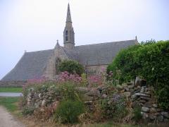 Chapelle Notre-Dame-de-Penhors - La chapelle de Penhors, son porche et son calvaire, à Pouldreuzic .,Finistère Région Bretagne
